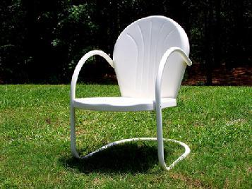 Gentil Retro Metal Lawn Chair Canada $125